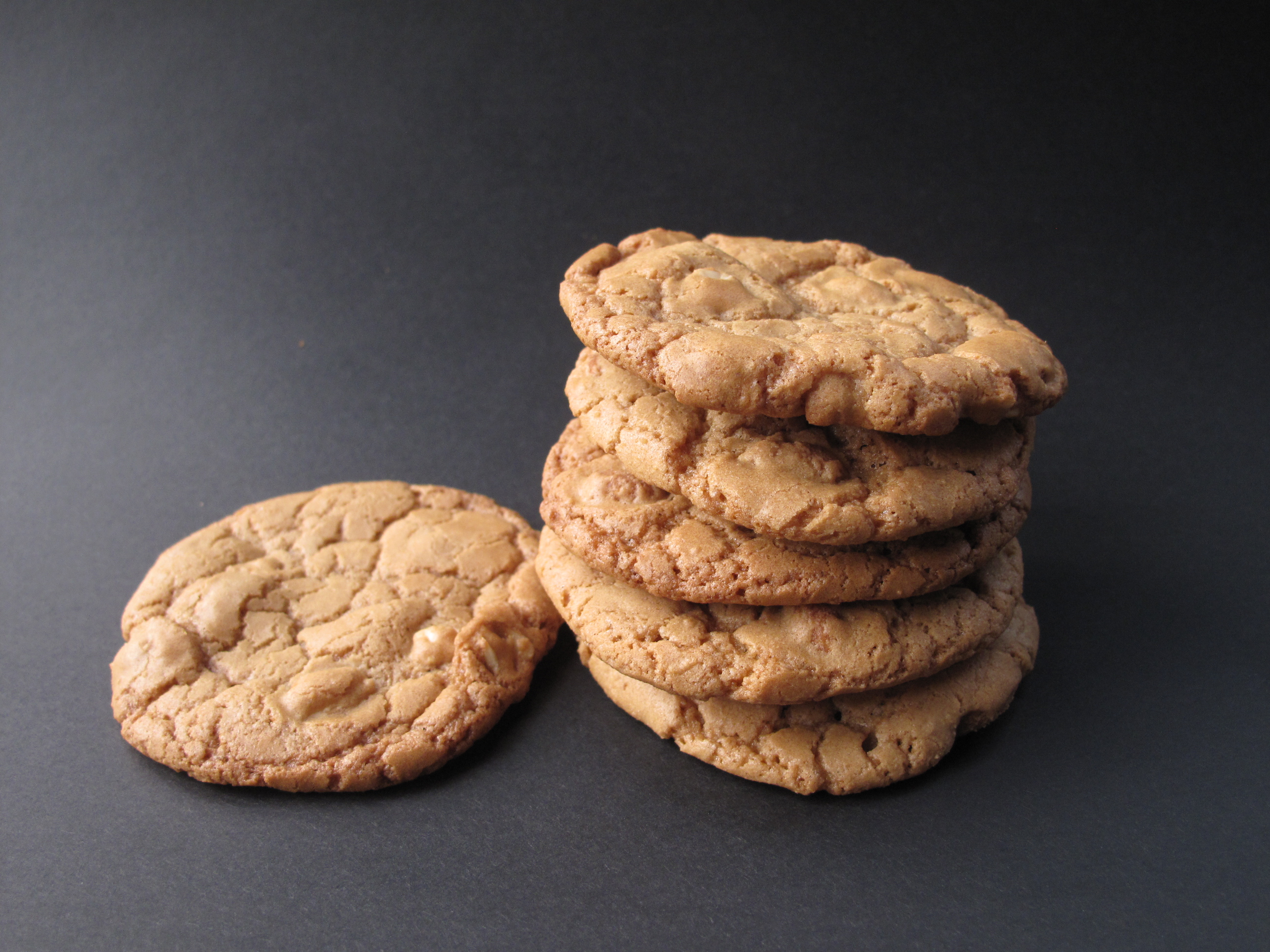Honey-Roasted Peanut Cookies - The Monday Box