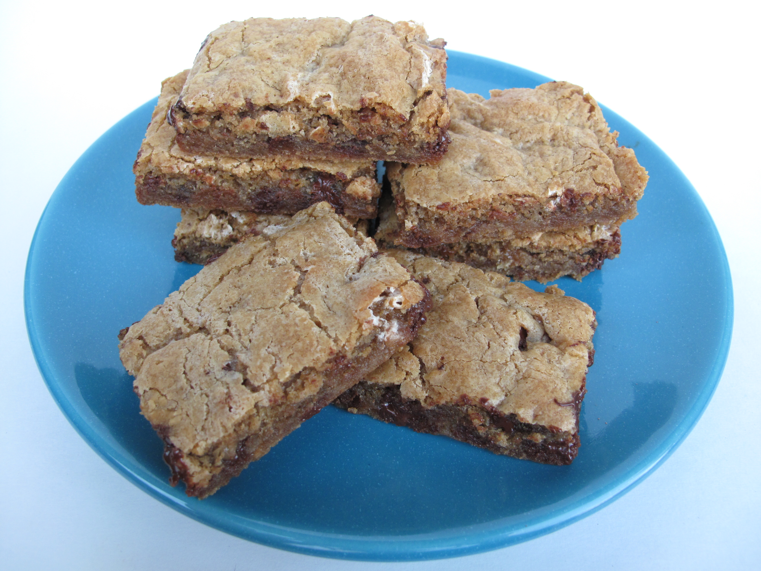 Chewy Chocolate Toffee Marshmallow Cookie Bars The