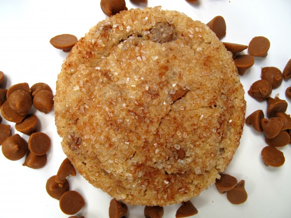 Cinnamon Dream Cookie with cinnamon chips