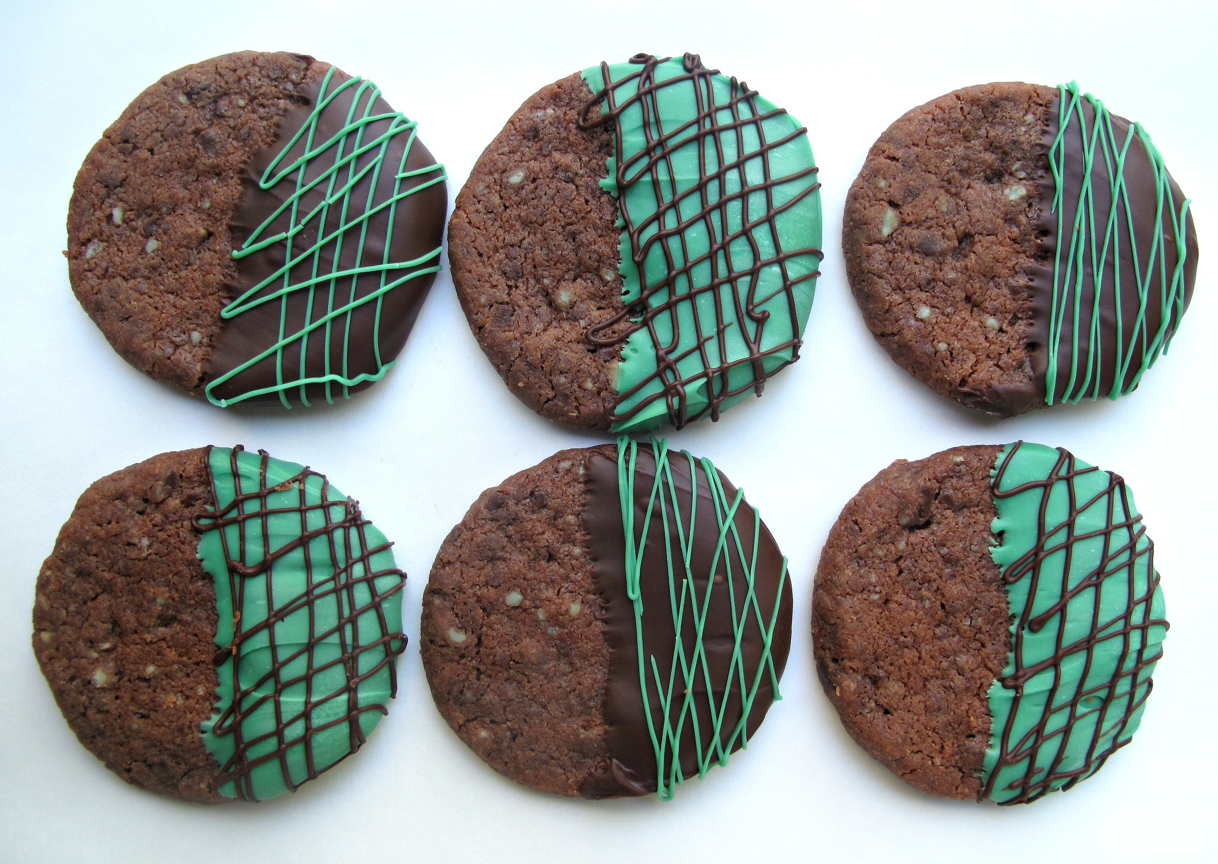 Chocolate Peppermint Shortbread Cookies - The Monday Box