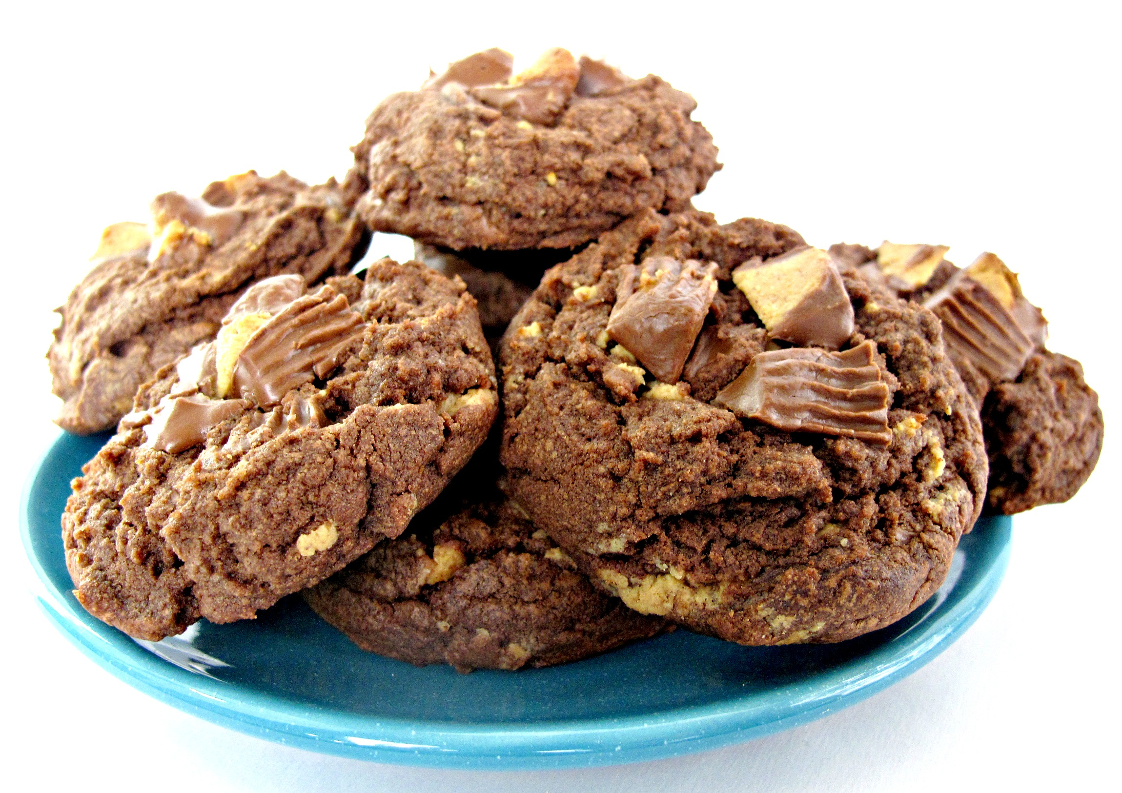 Chocolate Peanut Butter Cup Cookies - The Monday Box