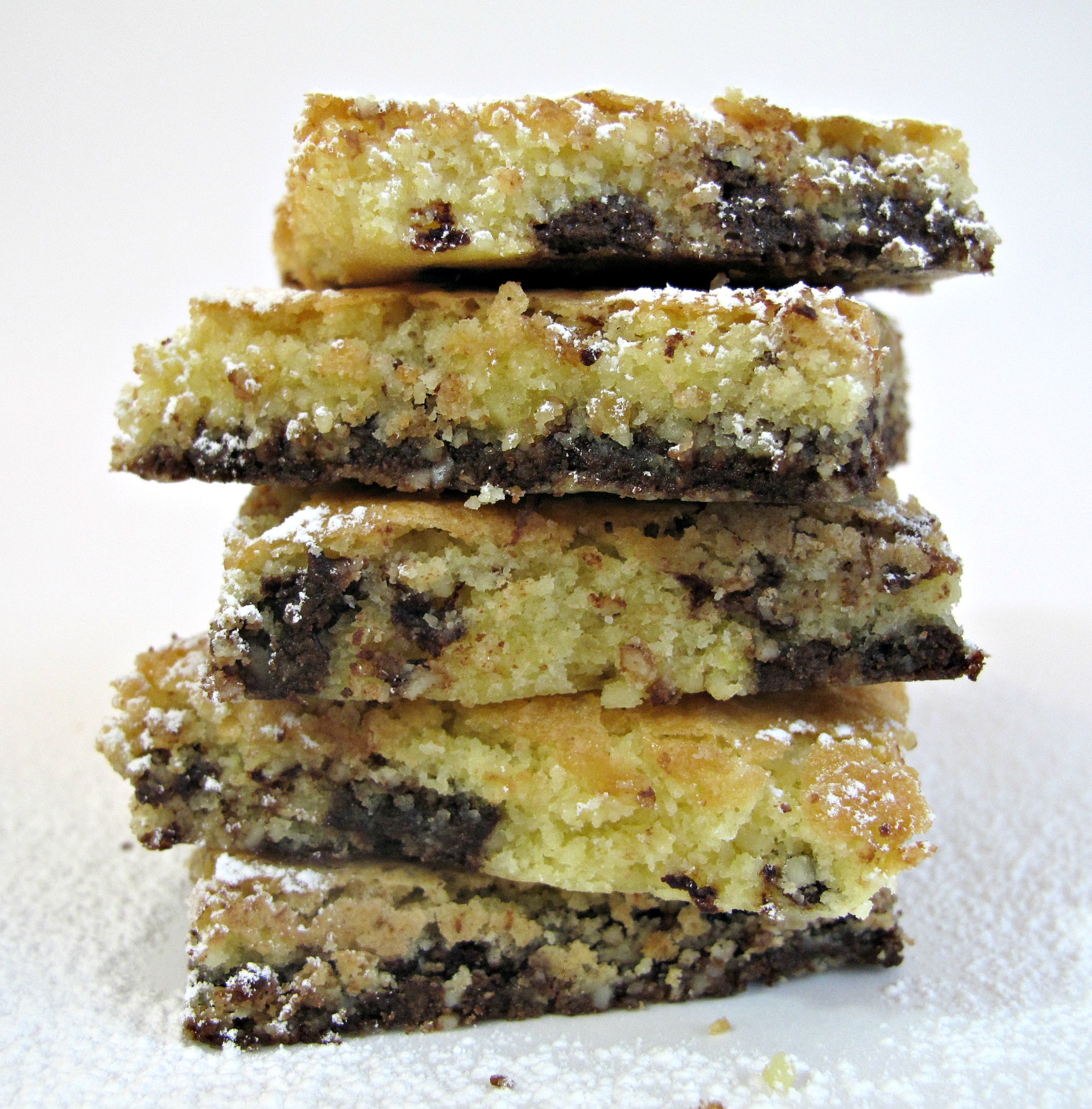 Chocolate Chip Almond Cookie Squares- soft, tender cookie cookie with ...