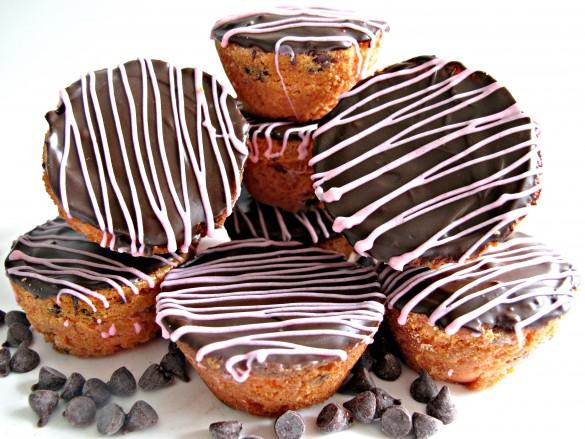 Chocolate Strawberry Blondie Bites
