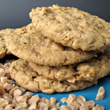 Biscoff Oatmeal Toffee Crunch Cookies