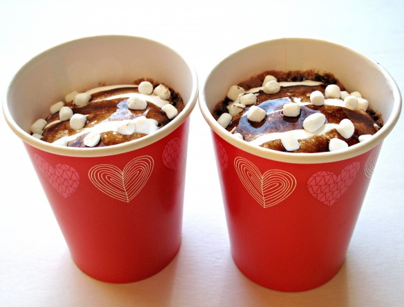 Hot Chocolate Mug Cake in 2 red paper cups