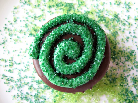 St. Patrick's Day Chocolate Covered Oreos