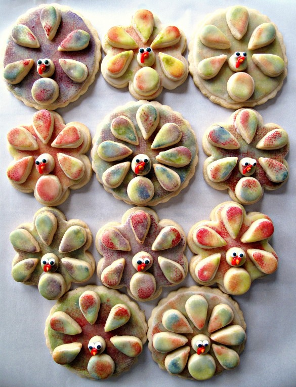 Three dimentional Painted Turkey Sugar Cookies with muticolored sponge painted icing