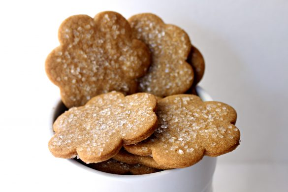 Cinnamon Snap Cookies - The Monday Box
