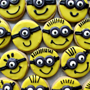 Minion Sugar Cookies for Military Care Package #28