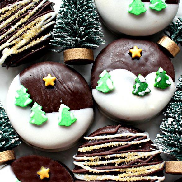 Winter Wonderland Chocolate Dipped Oreos