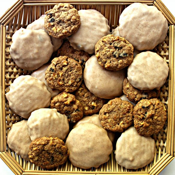 Apple Raisin Oatmeal Cookies