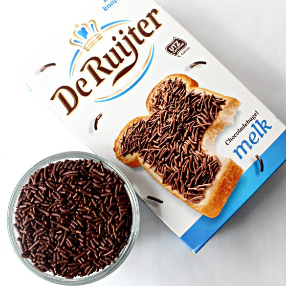 Bowl of chocolate sprinkles and De Ruijter box.